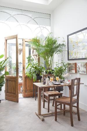 Bed and breakfast met een stijlvol romantisch koloniaal Afrikaanse sfeer, in een 19e eeuws herenhuis met zijn authentieke elementen en hedendaags comfort.