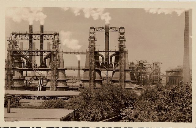 the lime kilns of ironworks in Kladno (1946)