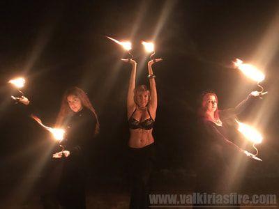 Bailarinas con fuego