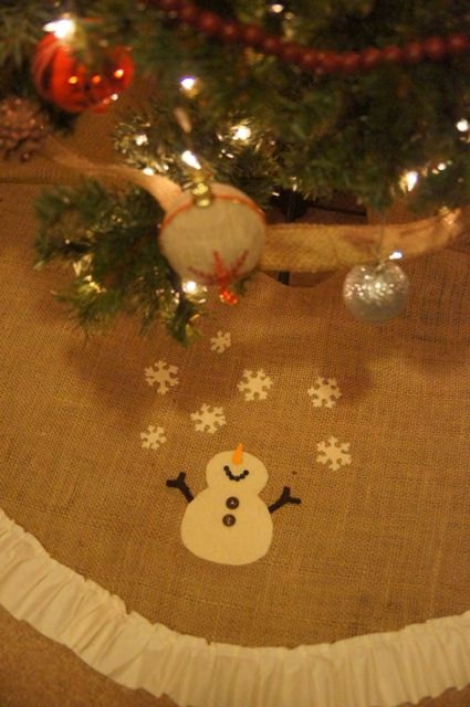 Snowman Applique Chistmas tree skirt...  Love