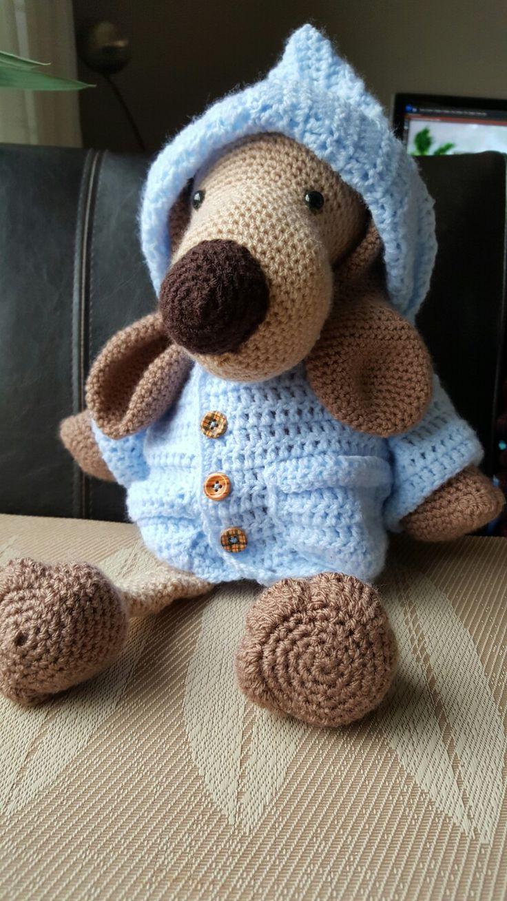 Hector de hond, beesten met broeken,jassen,jurken en truien #hectordehond (gehaakt door mijn moeder)