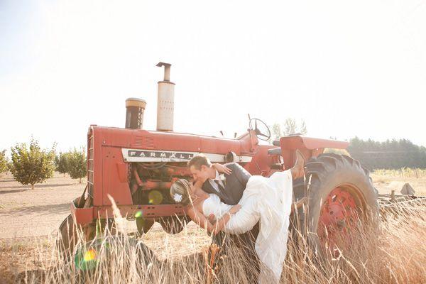country farm wedding ideas | ... farm wedding Murray Photography Postlewait's Country Weddings rustic