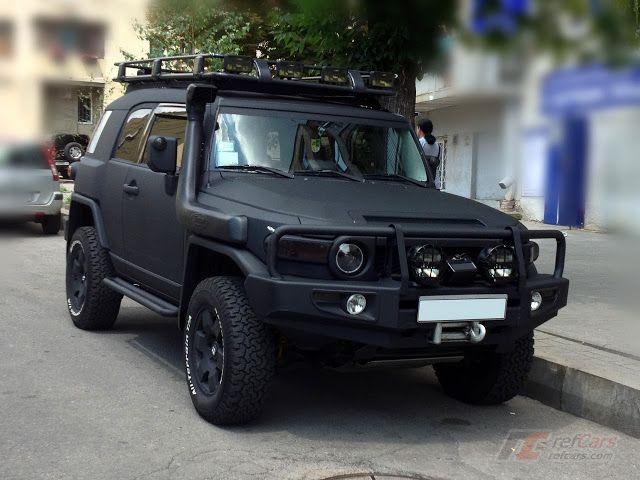 Matte-Black Toyota FJ Cruiser