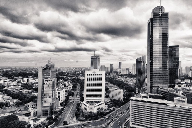 """Authentic Jakarta Experience""  Photographer : Saepul Jamal  Title: City Life"