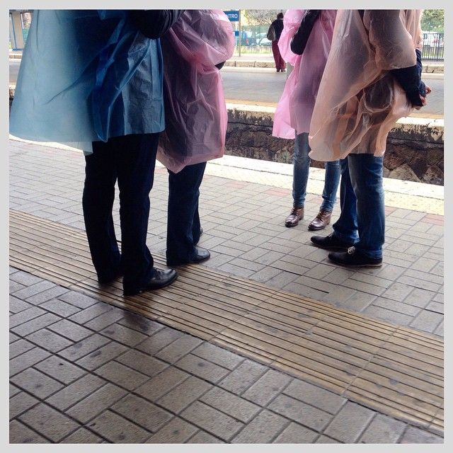 Pioggia turistica #mff2015 #mfflecce2015 #turist #rain #raining #blue #orange #pink #ostia #roma #rome #lazio #italia #italy #iphonography