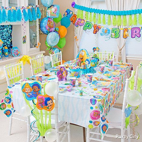 Make a big splash with a Bubble Guppies decorated party room!