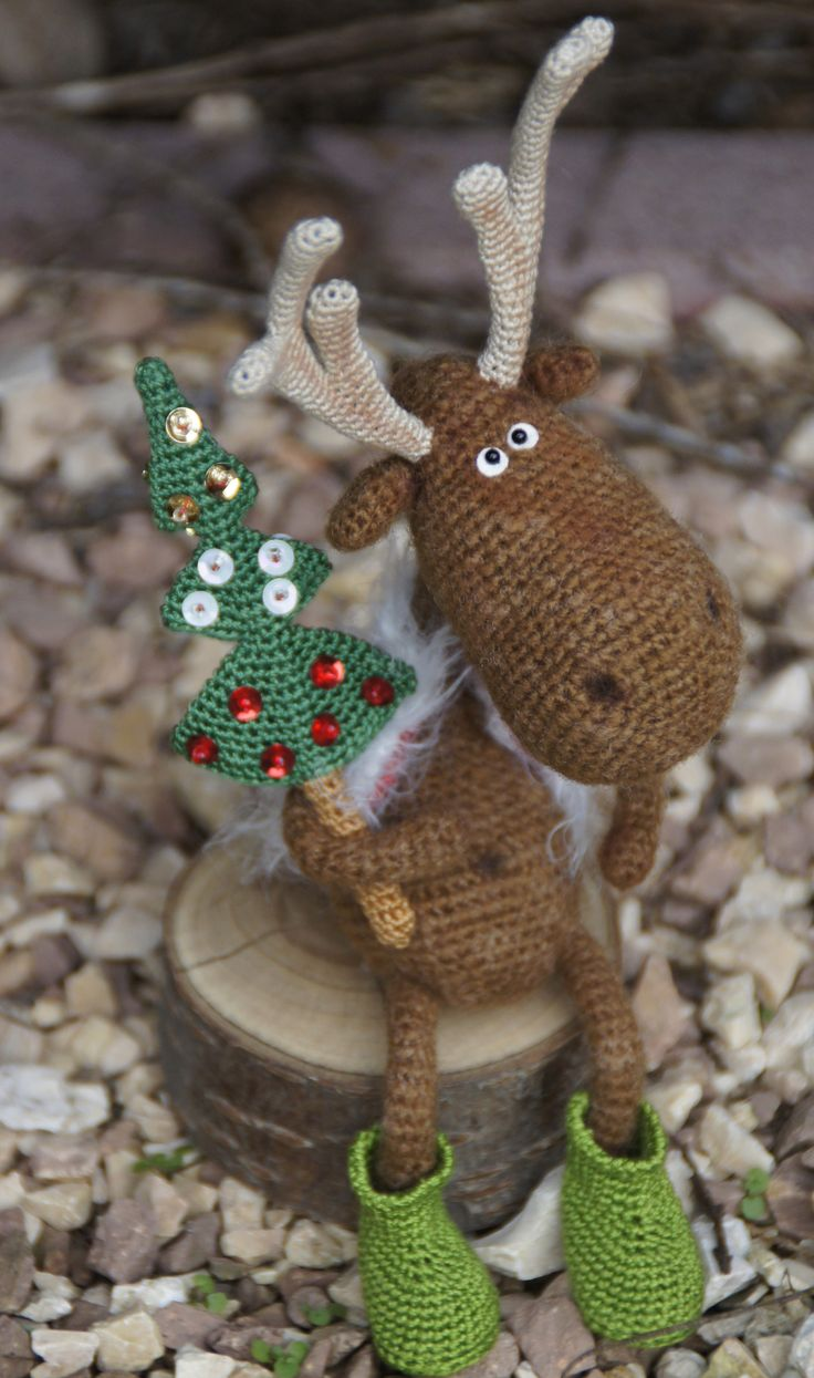 Dear Reindeer.....no pattern but so cute!