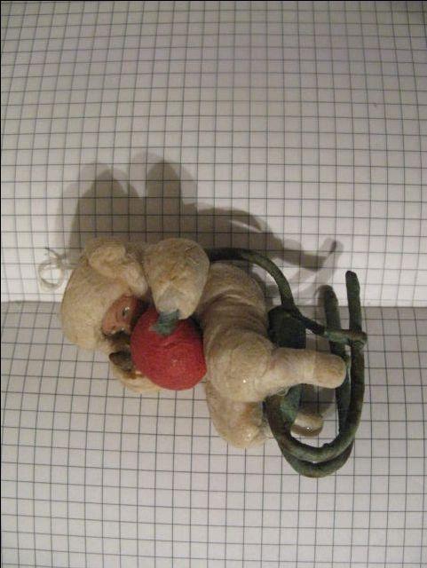 Елочная игрушка СССР Мальчик на санках 38-40-е г в люксе