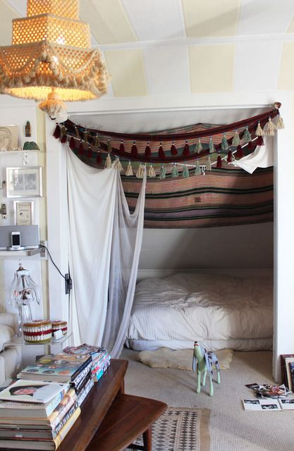 Den: Idea, Bohemian Treehouse, Apartment Therapy, Blankets Cont, Bedrooms, Small Spaces, Beds Nooks, Houses Tours, Kids Rooms