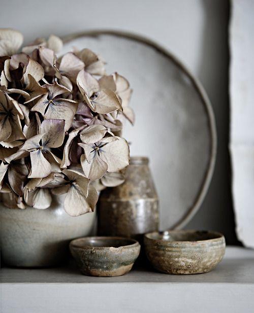 grès et fleurs séchées