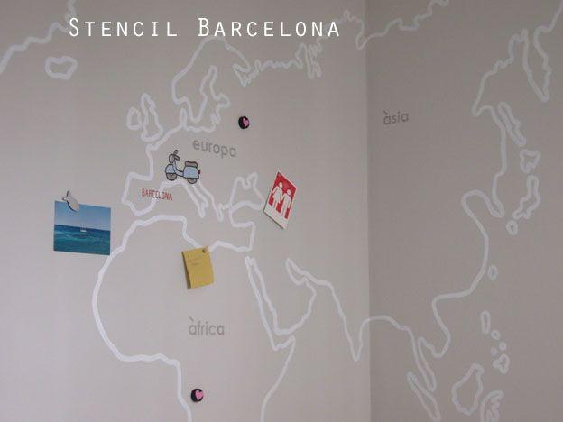 Mapamundi pintado con pintura magn tica realizado por - Stencil barcelona ...
