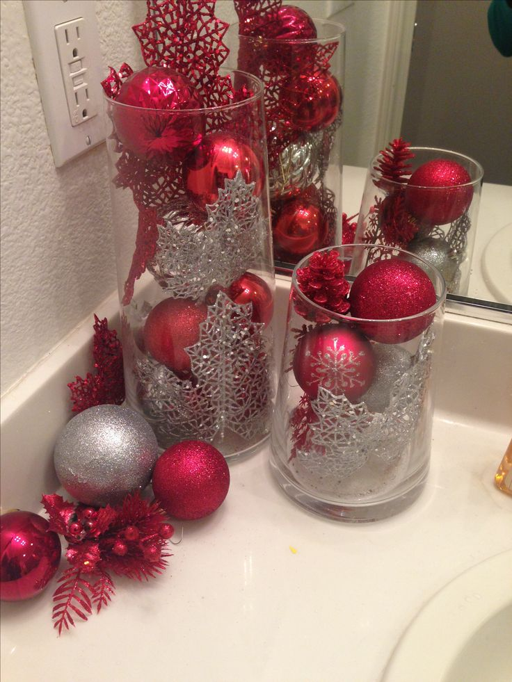 17 best images about christmas powder room on pinterest for Bathroom xmas decor