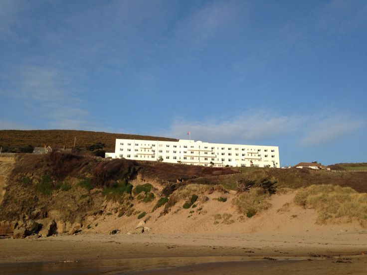 Saunton Sands Hotel looking lovely in the Sunshine ☀️