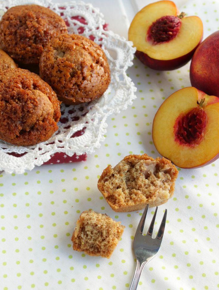 Muffins integrais de pêssego