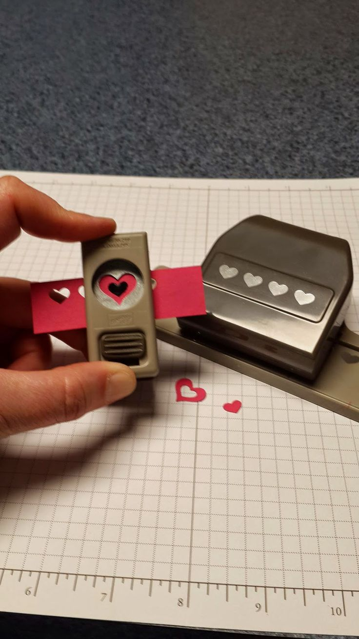 How to make a cute liittle heart. Check it out at Stamp A Little Longer