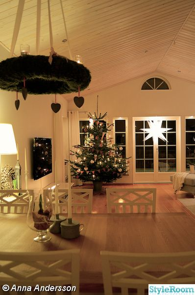 julgran,jul,advent,vardagsrum,lantligt,klassiskt,herrgård