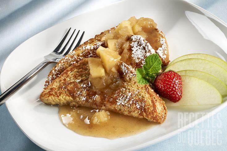 Le meilleur pain doré sauce pommes et érable #recettesduqc #dejeuner #brunch