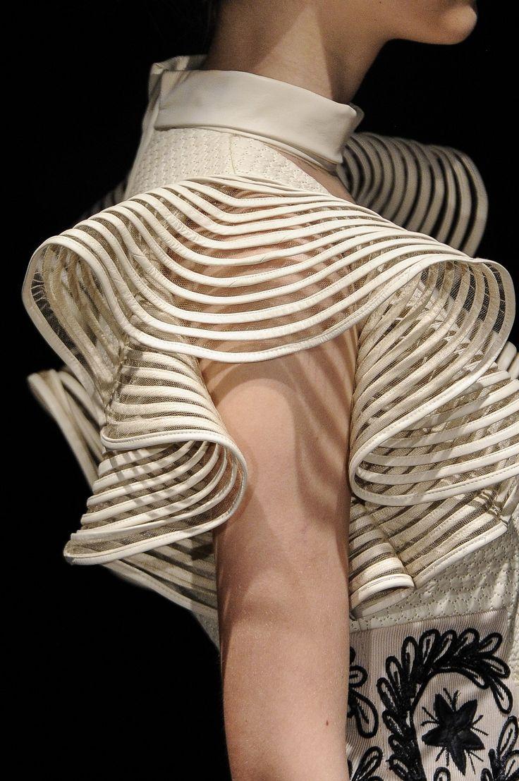Sculptural Fashion - elegant dress with rippling sleeve detail // Reinaldo Lourenco Fall 2013