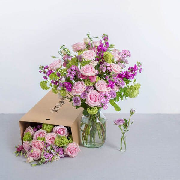 Send Flowers | Letterbox Flowers | Flowers By Post