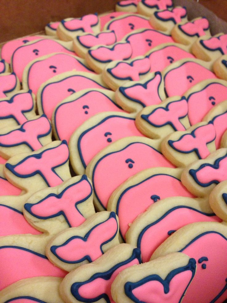 The #pdc kitchen need to make these adorable #Vineyardvines cookies! #nomnom