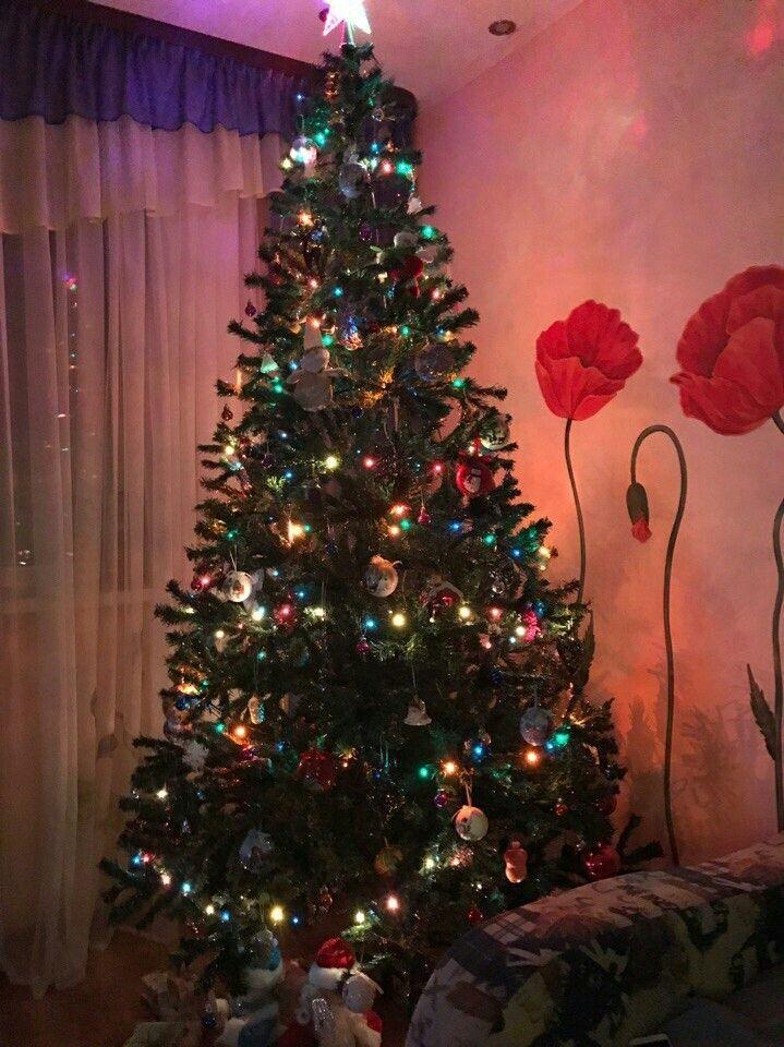 Christmas tree/new year/night/garland