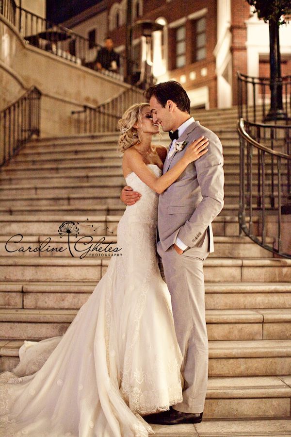 kiss on the stairs, bride and groom, wedding day