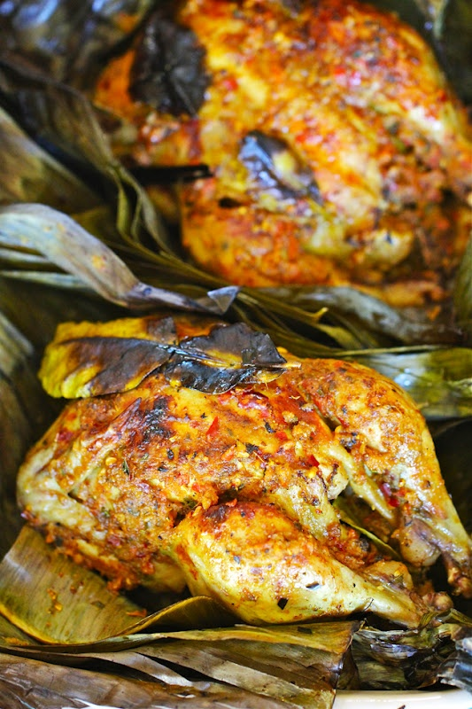 Ayam Betutu, Balinese Chicken Wrapped In Banana Leaves    http://elrascooking.blogspot.com/2011/08/ayam-betutu-balinese-chicken-wrapped-in.html