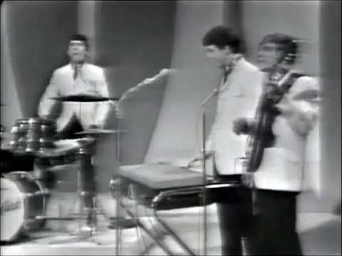 "THE DAVE CLARK FIVE - 1964 - ""Because"" - -Listen to more songs lik this and other favorites at:http://www.mainstreamnetwork.com/listen/player.asp?station=kqll-fm"