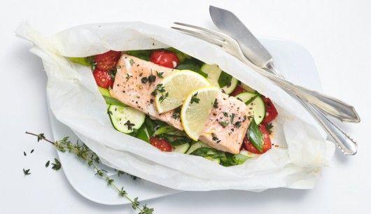 Ofen-Lachs auf Gemüsebett
