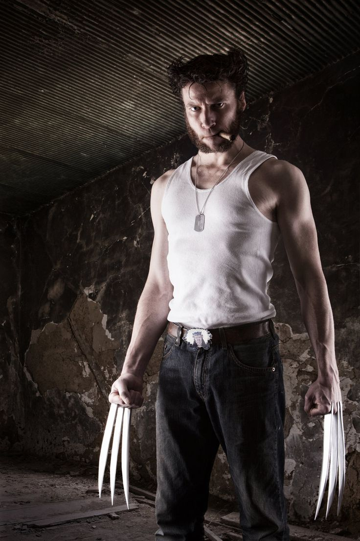 Wolverine, cosplayed by Lightkast