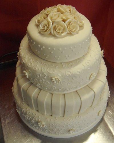 Esküvői torta - Közel 40 féle torta akár másnapra is családi cukrászdánkból!