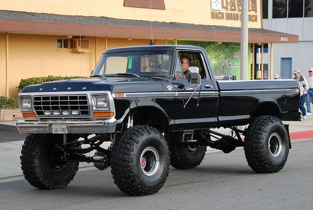 Big Old Ford Trucks   FORD PICKUP TRUCK 4 WHEEL DRIVE