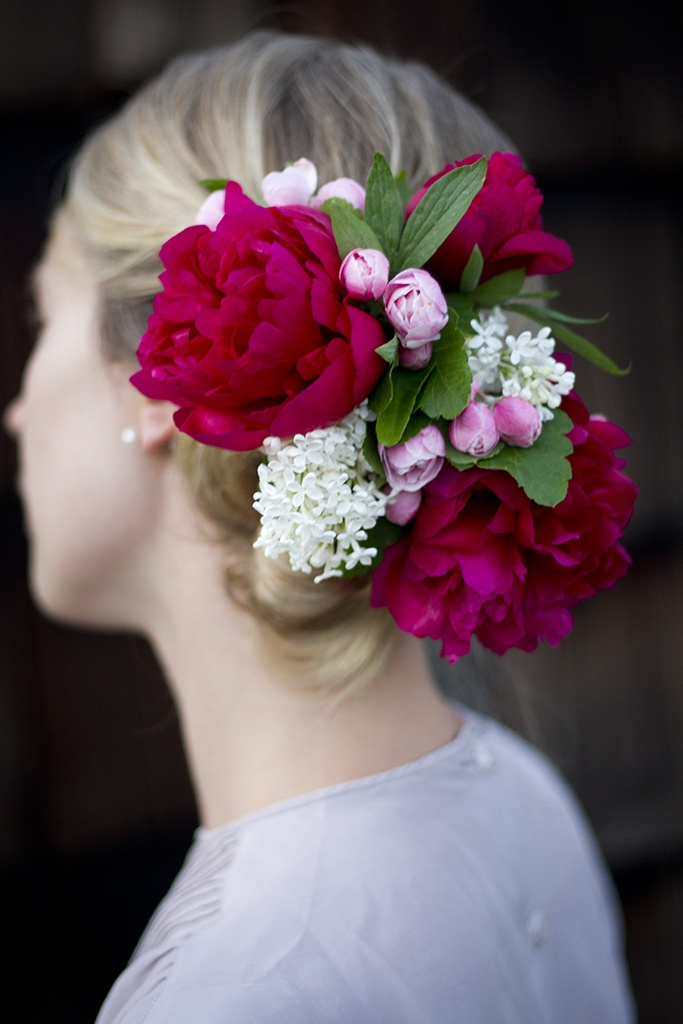 Stunningly gorgeous pink & green hair flower. #LillyPulitzer #SouthernWeddings
