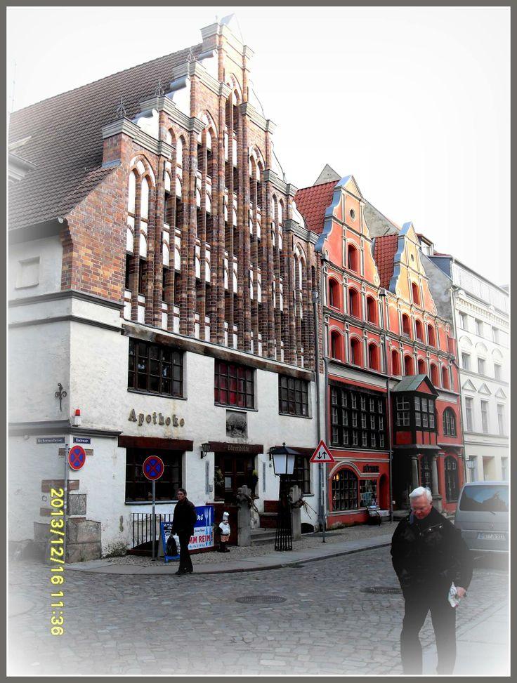 Morgonpromenad i Stralsund Altstadt Guns bild