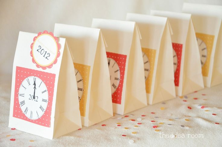 New Year's with Kids #4: make New Year's Eve countdown bags. Open one every hour until midnight. (from The Idea Room)