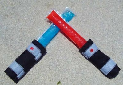 Light Saber Popsicle Cozy    i love the idea of a popsicle cozy!!  i'm so gonna have to make some cozy's for this summer!Summer Crafts, Otters Pop, Saber Popsicles, Stars Wars Parties, Star Wars, Ice Pop, Popsicles Cozy, Freezers Pop, Lights Saber
