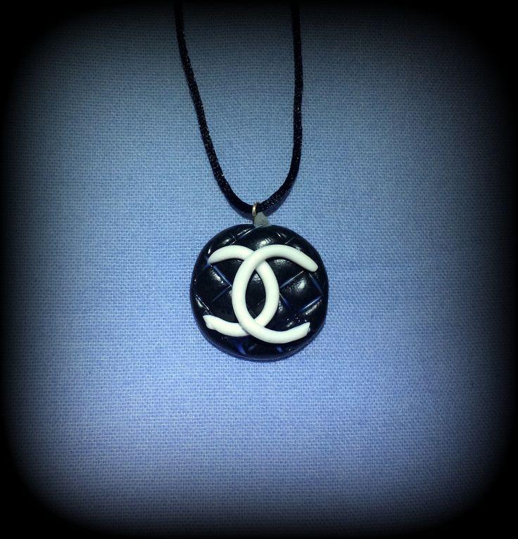 Fimo, Logo Chanel, disponibile come orecchini, collana, portachiavi, braccialetto, anello, calamita