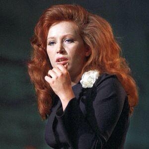 Alla Pugacheva in 'The Woman Who Sings'. 'Женщина, Которая Поёт'.
