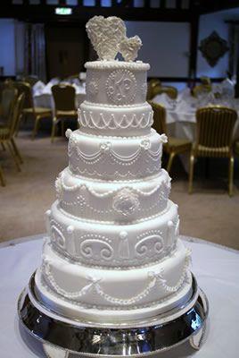 Victorian Wedding CAKES | Wedding Cakes by Kent designer Nicola Hall, Hall of Cakes