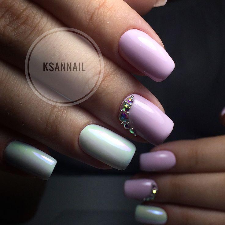 Розовые ,ногти,дизайн ногтей,стразы,втирка