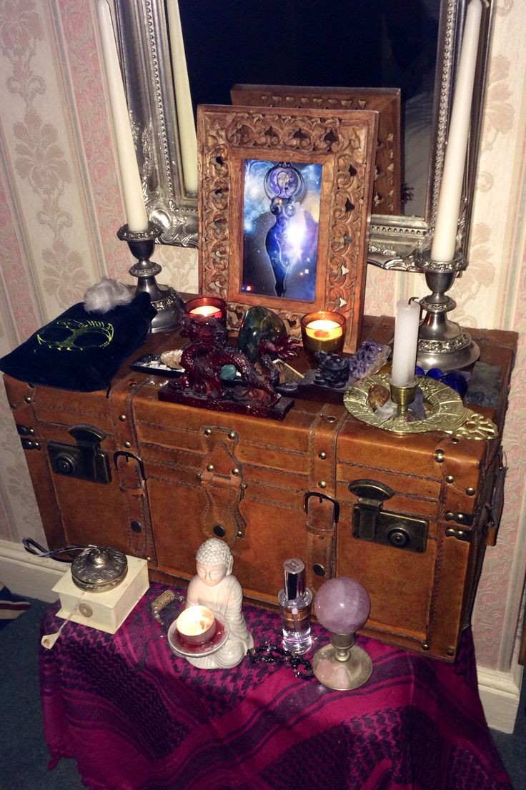 17 Best Images About Shrines And Altars On Pinterest: 260 Best Images About Altars & Shrines On Pinterest