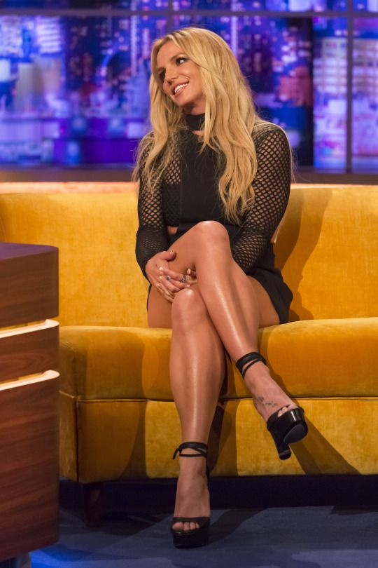 "Britney Spears at the ""The Jonathan Ross Show"" appearance, London (30 September, 2016)"