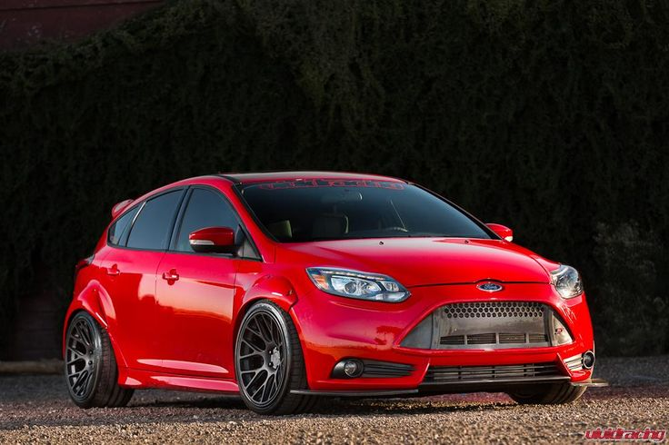 focusst_blackniche-3.jpg (1000×667) I know its not a Mustang, but thought it looked really cool.