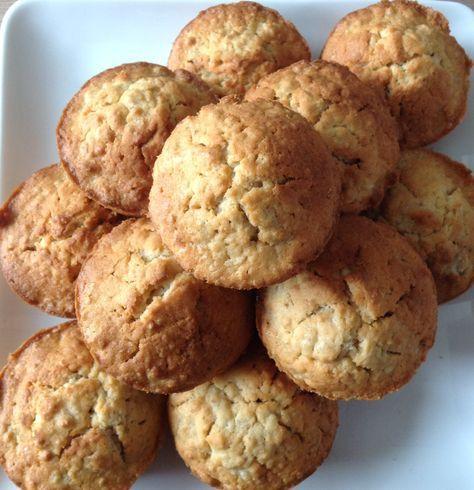 havermout muffins  Snuf zout, vanillesuiker, walnoten, pompoen- en zonnebloempitten erbij