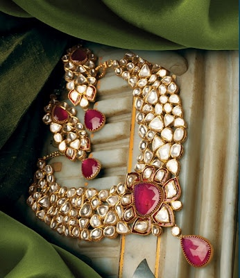 Hazoorilal: Upholding a legacy of over 60 glorious years, Hazoorilal is synonymous with couture, traditional and contemporary jewellery. For Store details visit http://www.myweddingbazaar.com/vendor.php?tpages=3&page=3&vendor_type=Jewellery
