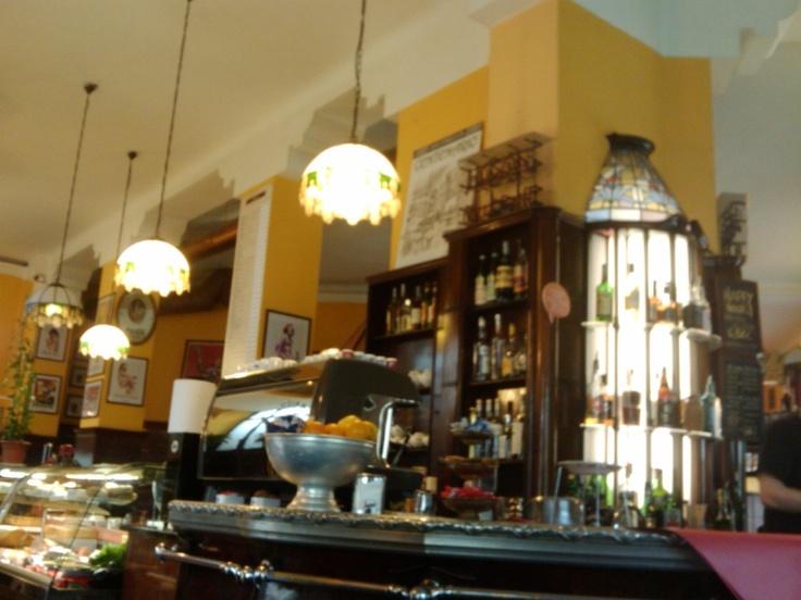Bar Magenta Milano