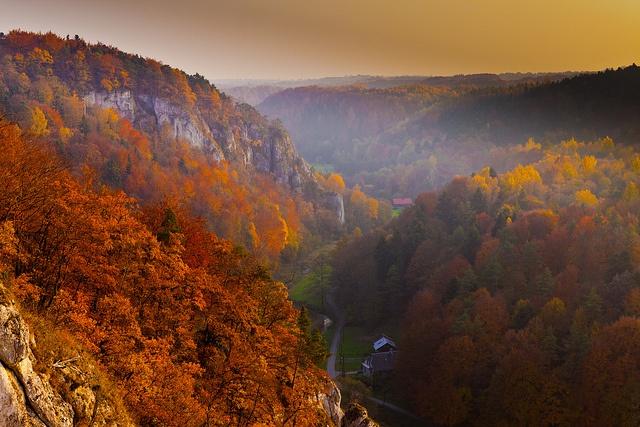 Ojcowski Park Narodowy by mike.zielony, via Flickr