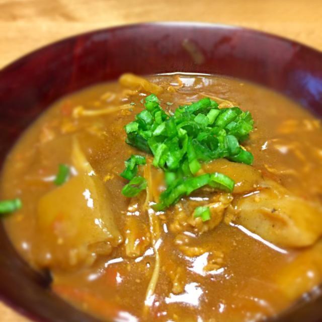 普通の豚汁の残り(具のみ)にカレールーを入れて、うどんを茹でたら完成 - 7件のもぐもぐ - 豚汁の残りでカレーうどん by kounakamurbzS