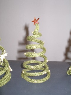 pipecleaner plus crochet trees