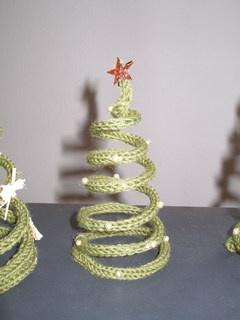 tricotin tree ✿Teresa Restegui http://www.pinterest.com/teretegui/✿
